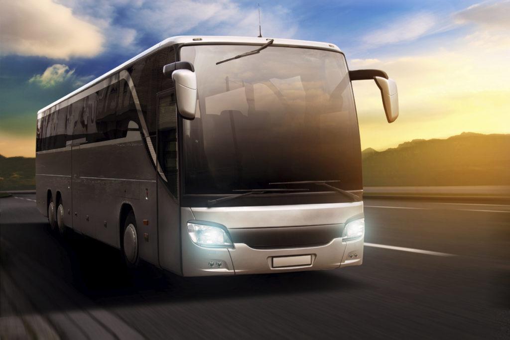 Заказать автобус с водителем в Сочи и Адлере